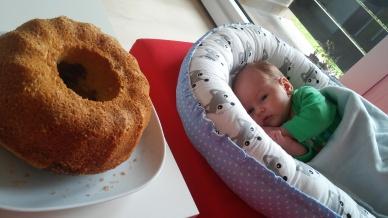 dělba práce: Já budu jíst a Bětka koukat